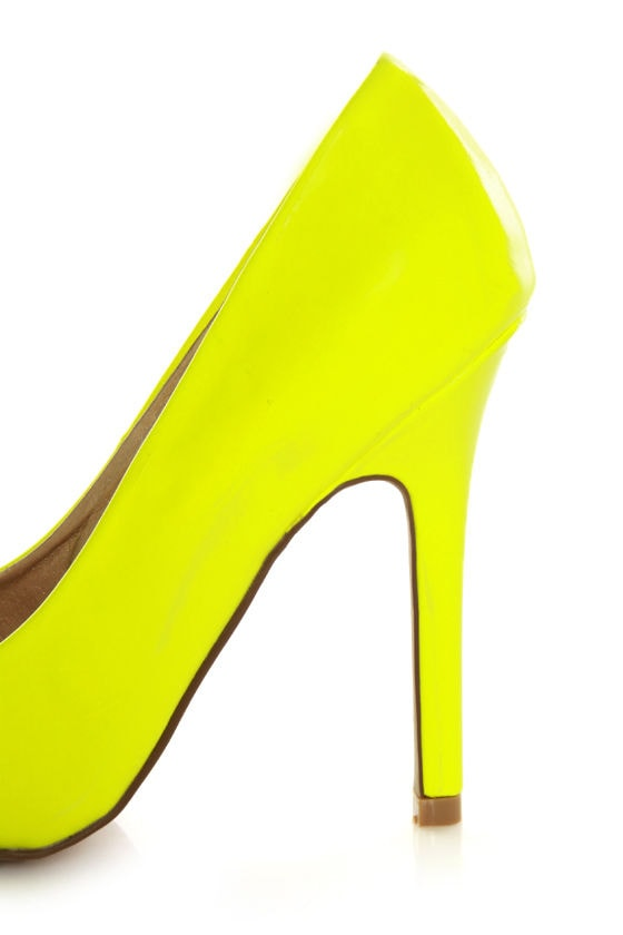 Qupid Potion 01 Neon Yellow Patent Pointed Pumps at Lulus.com!