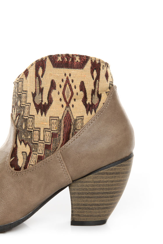 Qupid Priority 19 Taupe Tapestry Ankle Boots