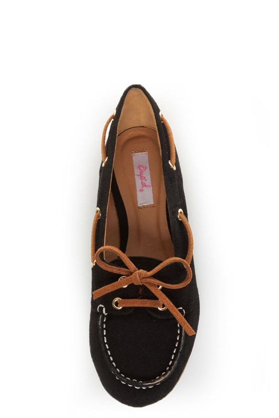 Qupid Serina 720 Black Suede Moccasin-Meets-Boat Shoe Flats at Lulus.com!