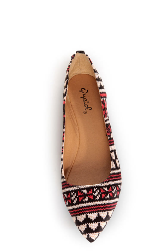 Qupid Site 01 Black and Beige Fabric Print Pointed Flats at Lulus.com!