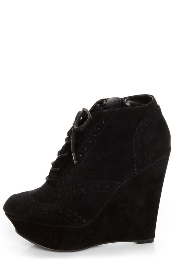 Qupid Worthy 27 Black Lace-Up Oxford Wedges