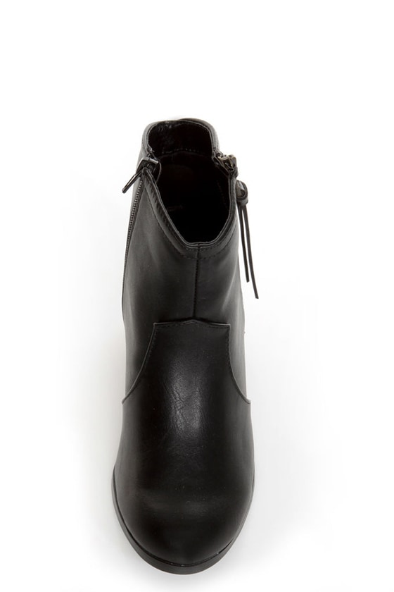 Soda Aloe Black Side Zipper Ankle Booties