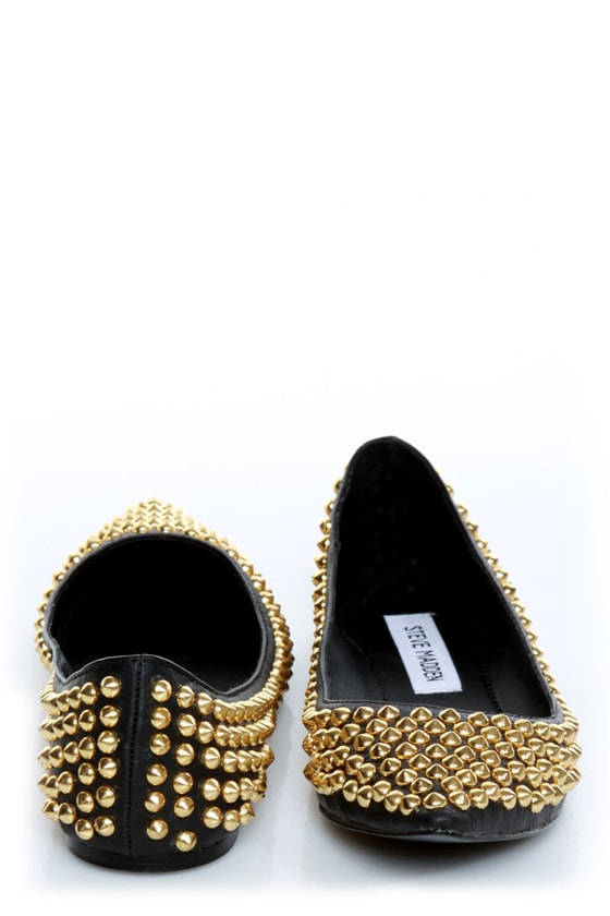 Steve Madden Extraa Black Gold Studded Pointed Flats at Lulus.com!