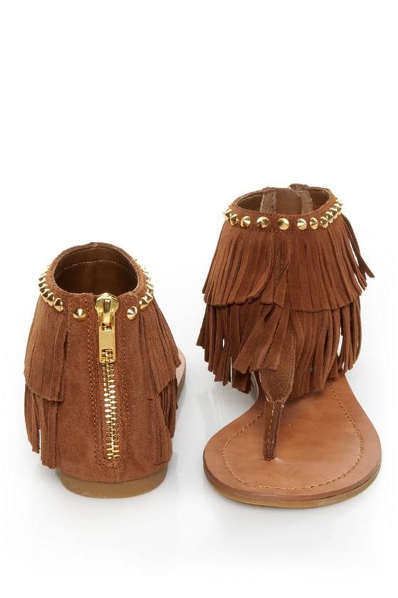 Steve Madden Klingee Cognac Suede Fringe Cuffed Thong Sandals at Lulus.com!