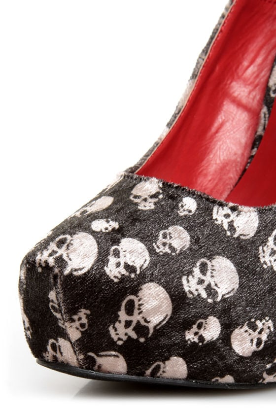 Shoe Republic LA Ghost Black Velvet Skull Print Pumps