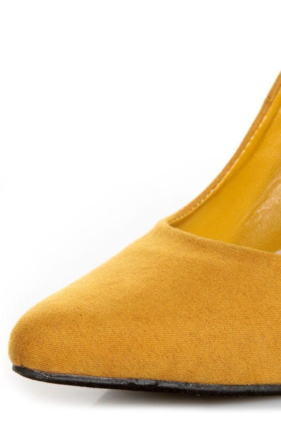 CR-01 Mustard Yellow Velvet Pointed Pumps