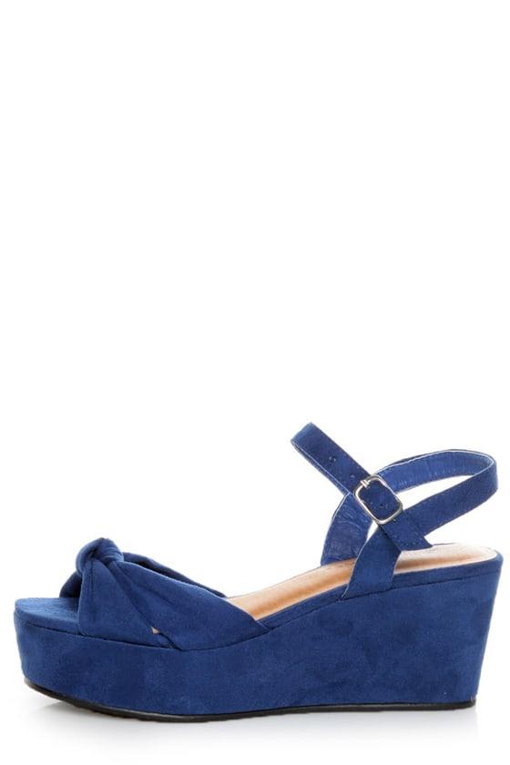 3f80a7803139 Diva Lounge Manning 01 Blue Venus Suede Flat Platform Sandals -  26.00