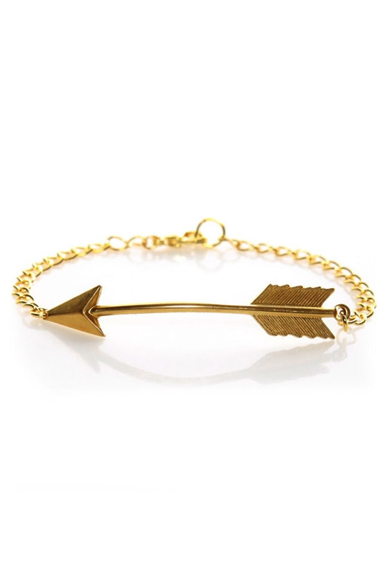 I Adorn U Gold Arrow Bracelet at Lulus.com!