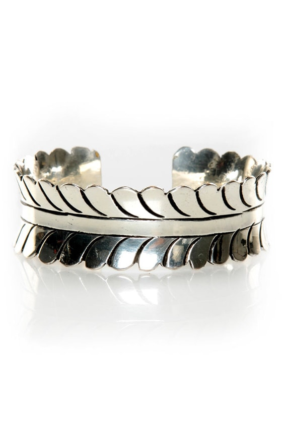 Zad Leaf It to Me Silver Cuff at Lulus.com!