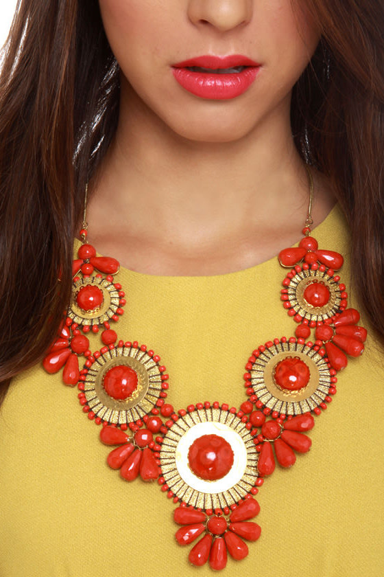 Zad Neptune's Treasure Coral Red Necklace at Lulus.com!