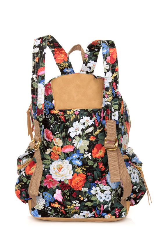 Right Pack At You Black Floral Print Backpack at Lulus.com!