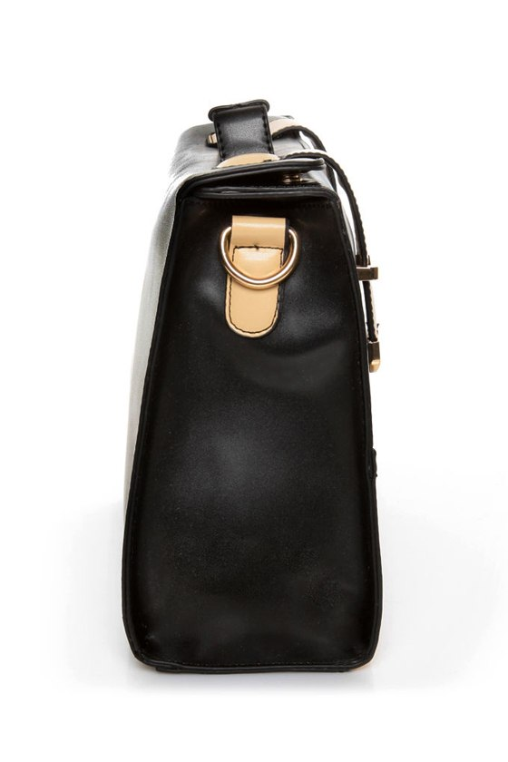 Hop a Flight Black and Beige Purse at Lulus.com!
